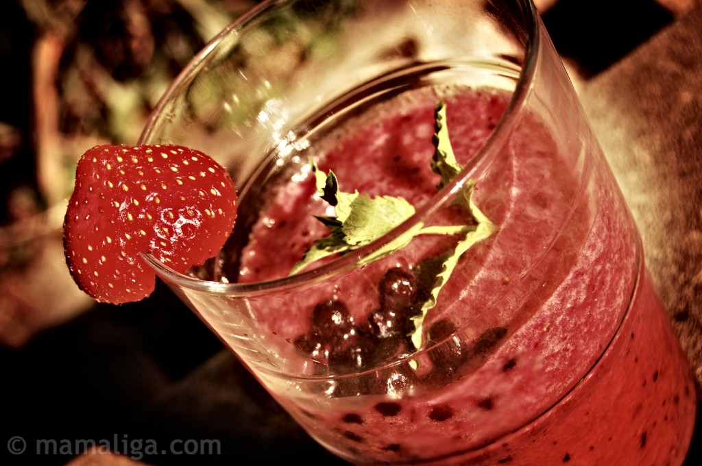 Daily Blueberry & Strawberry Smoothie